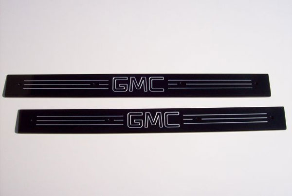 Empire 357XGB:  07-up /GMC Full-size Trucks/SUVs Extended Cab Black Front Door Sills with GMC Logo