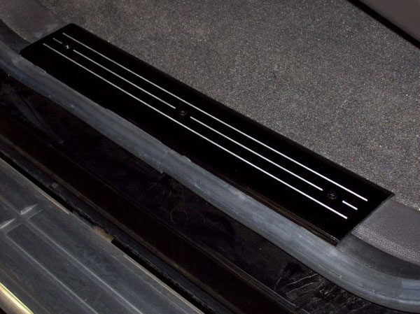 Empire 357XRB:  07-up /GMC Full-size Trucks/SUVs Extended Cab Black Rear Door Sill Plates with Machined Lines