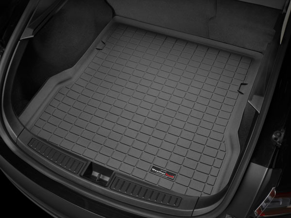 WeatherTech 40288 |  Cargo Liners Land Rover LR3 - Black (w/o optional sliding loadspace floor); 2005-2009