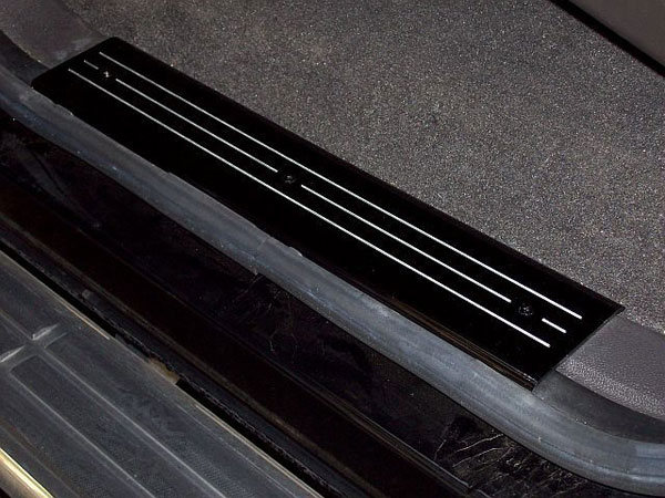 Empire CM357LB:  Camaro 2010-11 - 2011 Door Sill Plates with 3 Milled Lines (pair) - Black
