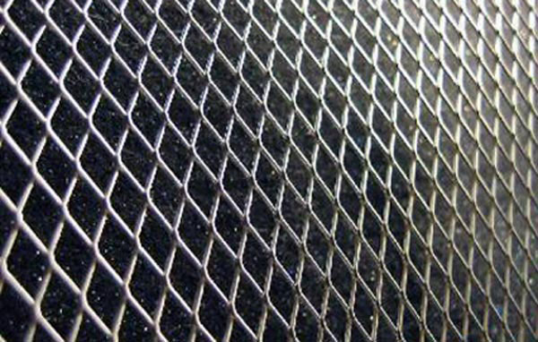 Extreme Dimensions 103000: Diamond Cut Mesh Grille (silver) - 2 Piece