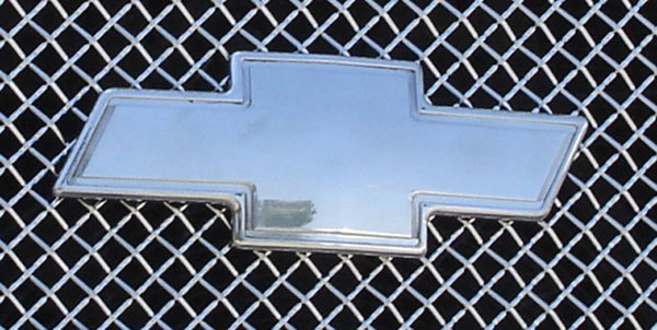 T-Rex 19281:  Chevrolet Trailblazer LS 2002 - 2009 Billet Bowtie - w/Border - Polished