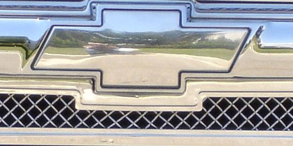 T-Rex 19282 |  Chevrolet Trailblazer LS 2002 - 2009 Billet Bowtie - Plain - Polished