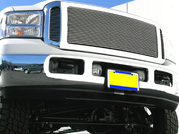 T-Rex 50561:  Ford Super Duty, Excursion 2005 - 2007 Grille Assembly - Factory Chrome Shell - w/ 3 Pc Look Billet (20561) Installed