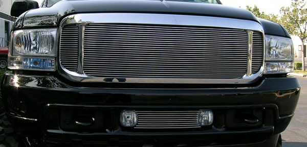 T-Rex 50575:  Ford Excursion 2000 - 2004 Grille Assembly - Aftermarket Chrome Shell - w/ 3 Pc Look Billet (20570) Installed