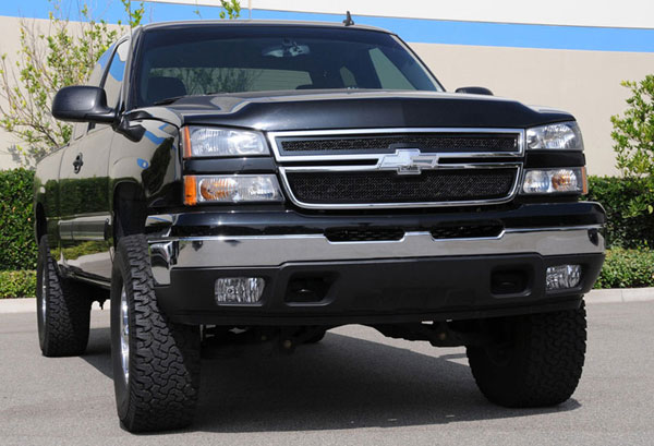 T-Rex 51100 |  Chevrolet Silverado (All Models Except 05 HD) 2003 - 2005 Upper Class Polished Stainless Mesh Grille - 2 Pc Style - All Black