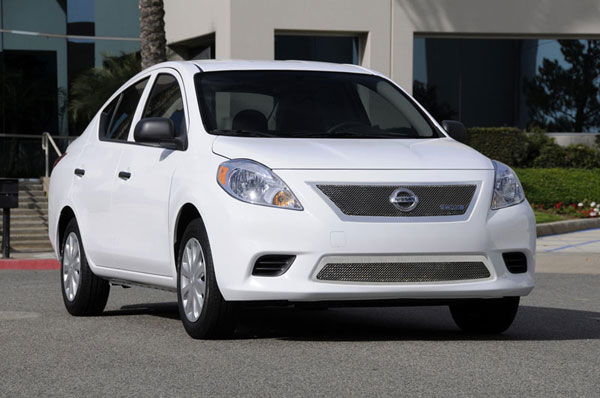 T-Rex 54775:  Nissan Versa Sedan 2012 - 2012 Upper Class Polished Stainless Mesh Grille
