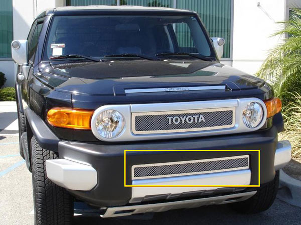 T-Rex (55932)  Toyota FJ Cruiser 2007 - 2013 Upper Class Polished Stainless Bumper Mesh Grille