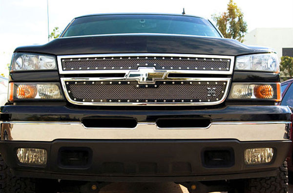 T-Rex 6711061:  Chevrolet Silverado 2500HD, 3500 (All 2006 Models) 2006 - 2006 X-METAL Series - Studded Main Grille - ALL Black - 2 Pc Style