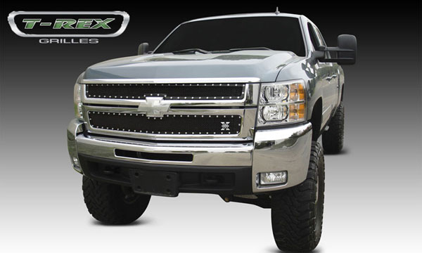 T-Rex 6711121:  Chevrolet Silverado HD 2007 - 2010 X-METAL Series - Studded Main Grille - ALL Black - 2 Pc Style