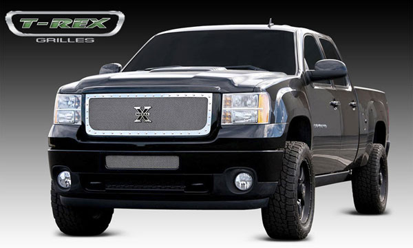 T-Rex (6712090)  GMC Sierra 2500HD, 3500 2011 - 2011 X-METAL Series - Studded Main Grille - Polished SS