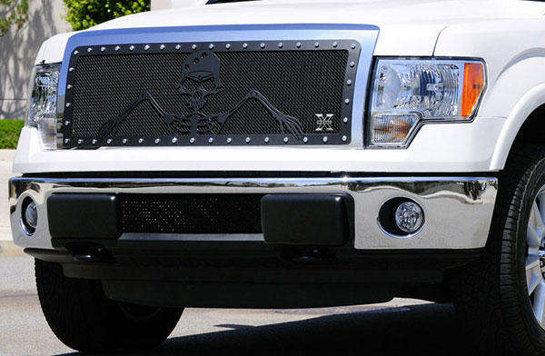 T-Rex 7115686:  Ford F-150 2009 - 2012 URBAN ASSAULT ''GRUNT'' - Studded Main Grille w/ Soldier - Black OPS Flat Black - Custom 1 Pc Opening (Requires Cutting center Bars)