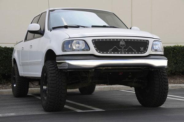 "T-Rex 7115806 |  Ford F150 - URBAN ASSAULT ""GRUNT"" - Studded Main Grille w/ Soldier - Black OPS Flat Black; 1999-2002"