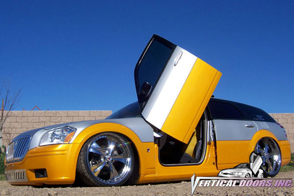 Vertical Doors VDCDMAG0408:  DODGE MAGNUM 2004-2008