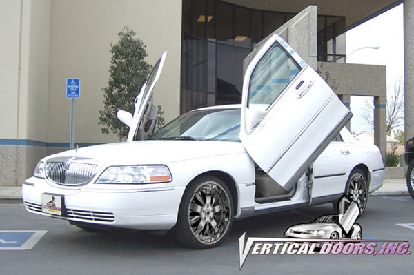 Vertical Doors VDCLTC9806:  LINCOLN TOWN CAR 1998-2010