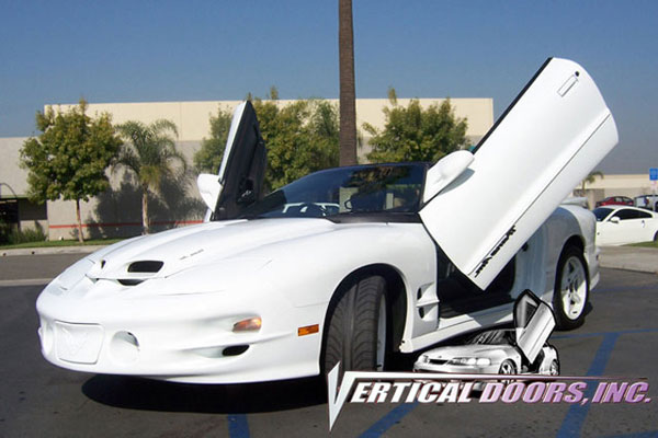 Vertical Doors VDCPONFIRE9397 | PONTIAC FIREBIRD/TRANS AM V8; 1993-1997