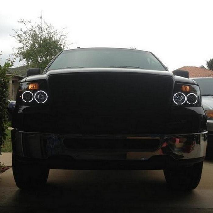 Spyder 5030085 | Ford F150 Version 2 CCFL LED ( Replaceable LEDs )  Projector Headlights - Black - (PRO-YD-FF15004-CCFL-G2-BK)