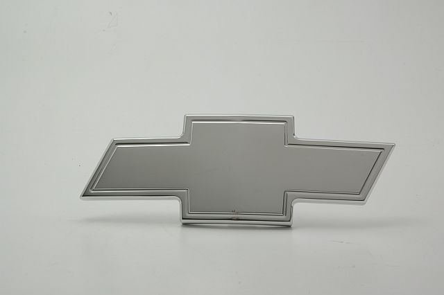 Empire S232P - Empire 98-02 S-10  Bowtie Emblem with Border - Polished